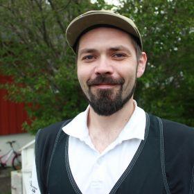 Maler Ole-Marius Djupvik.