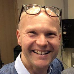 Øyvind Lohmann er legemiddelkonsulent i et stort internasjonalt selskap.