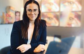 Anne Marie Nysæther er webdesigner og driver som selvstendig næringsdrivende.