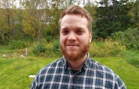 Alexander Wold er glad han tok bachelor i datateknikk via y-veien.