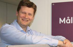 Andreas Gervad veileder folk som har havnet utenfor arbeidslivet.