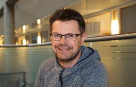 Ragnar Orten Lie på kontoret i Norges eldste by, Tønsberg.
