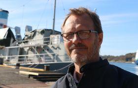 Politiker Hroar Jacobsen på kaia i Sandefjord.