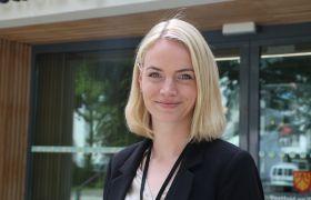 Bettina Evelyn Bertelsen på fylkeshuset i Vestfold og Telemark fylkeskommune.