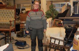 Merete Granås jobber som møbeltapetserer.