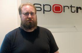 Henning Stener på sin arbeidsplass Sportradar AS.