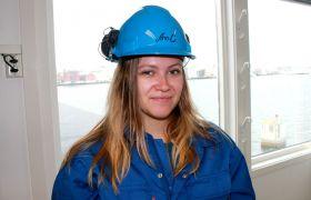 Produksjonstekniker Ann-Charlott Dahl jobber på sildoljefabrikken i Bodø