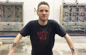 Fagoperatør i termoplast, Stein Roger Bang ser rett inn i kameraet