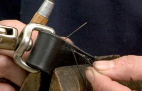 To hender som jobber med seletøy
