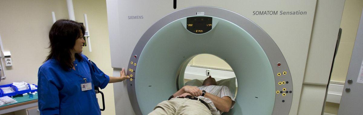 Radiograf og CT-maskin.
