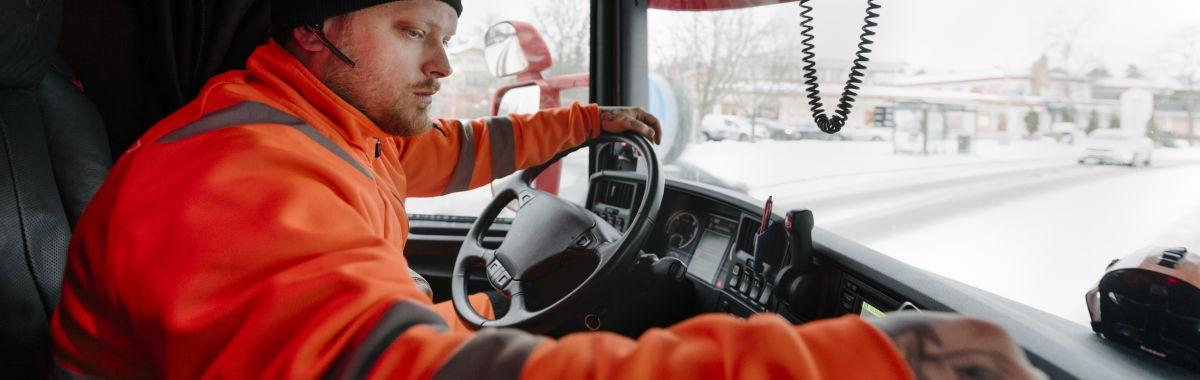 Yrkessjåfør i arbeid.